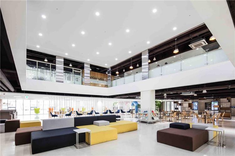 芝加哥大学_教学空间设计-学校餐厅设计-学生宿舍解决方案-SEEWIN诗敏学校家具