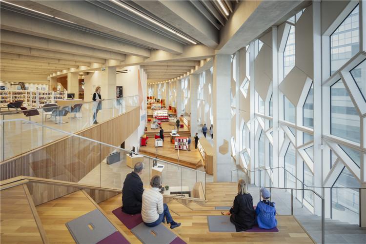 加拿大卡尔加里大学图书馆-阅读空间