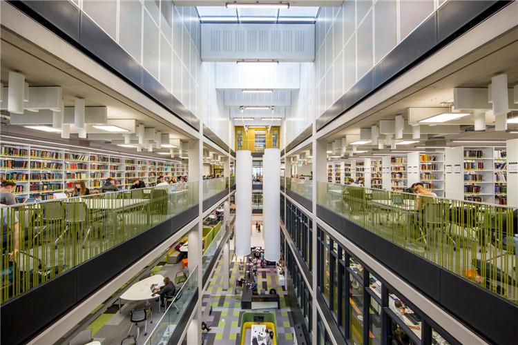 英国伯明翰大学图书馆-阅读空间