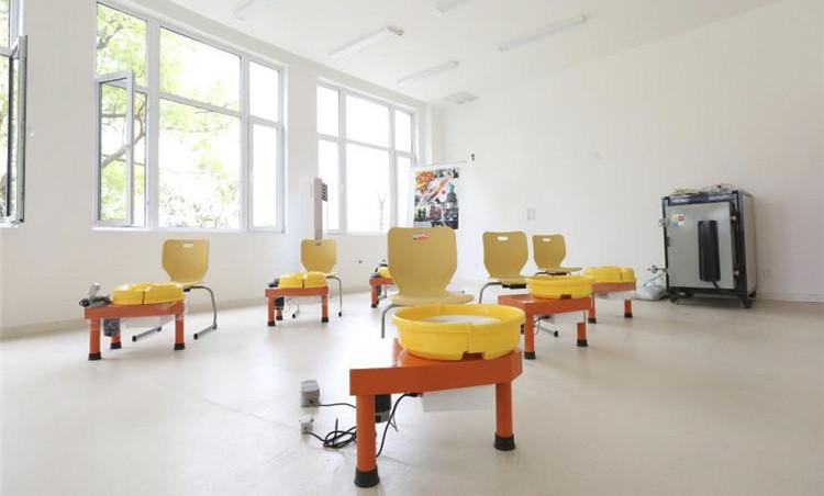 上海宏润博源学校-教室家具