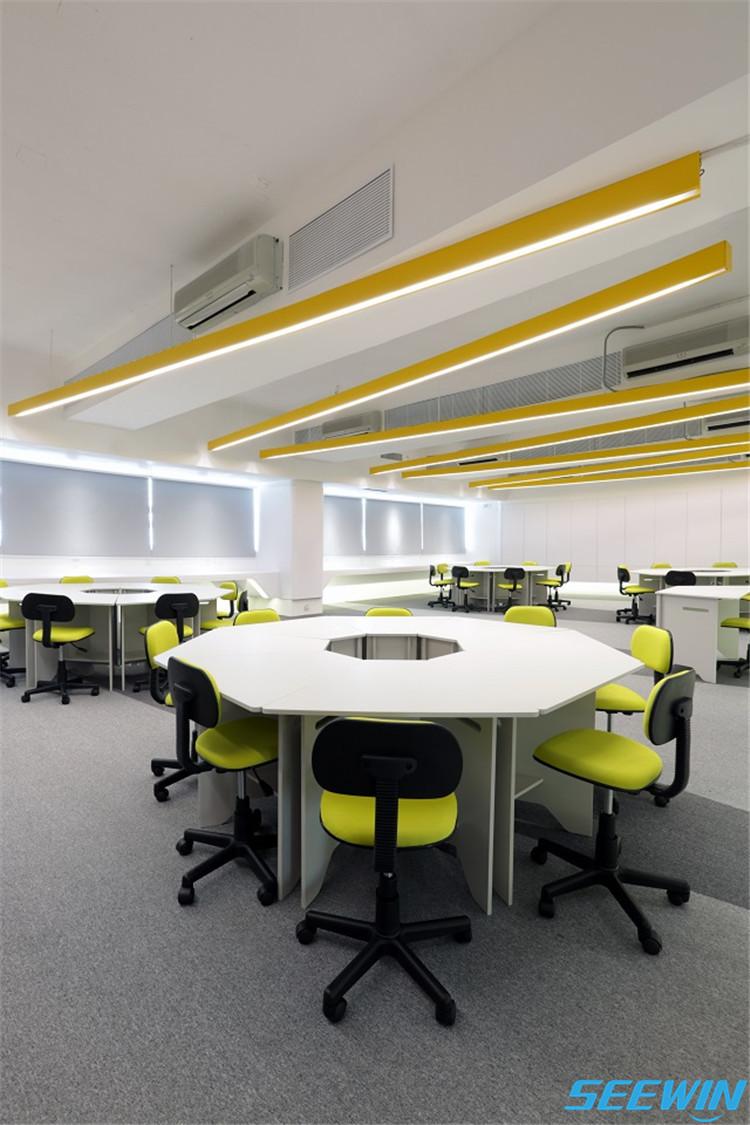 未来教室课桌椅