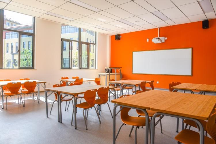 无锡高新区华锐海归人才子女学校-教室家具