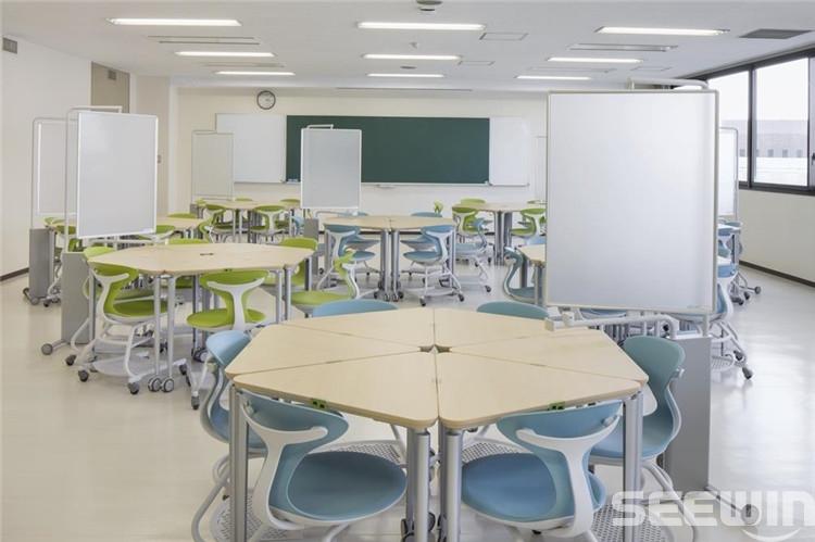 组合课桌椅